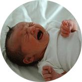 Может ли малыш родиться с пневмонией?